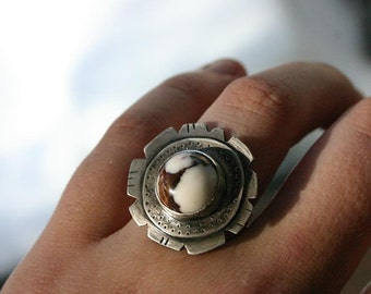 SALE - 40% off - Amado Ring