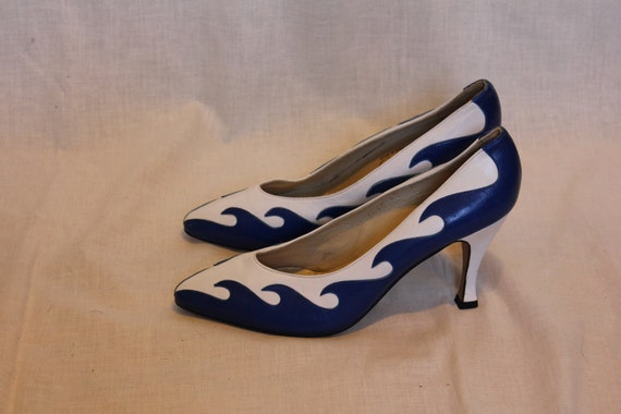 80s unique Norma B blue waves high heels 7 M