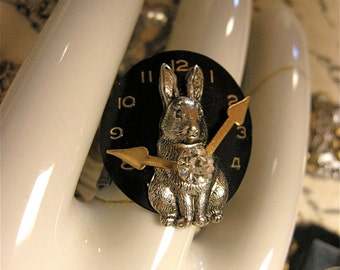 Steampunk Rabbit Ring with Hands of Time