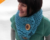 PATTERN Super Chunky Knit Cowl with Buttons