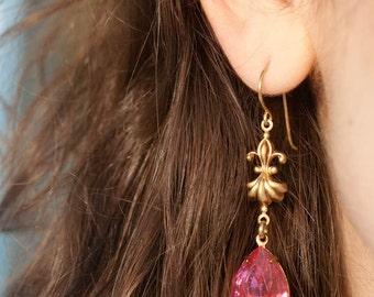 Estate Style Dangle Earrings, Hollywood Glamour. Pink Rhinestone Jewels, Romantic Earrings, Estate Style Earrings, Victorian Era Earrings