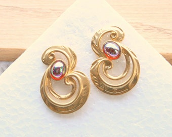 Art Glass Swirling Earrings Pierced Vintage Gold AB Treble Clef Faux Dragons Breath