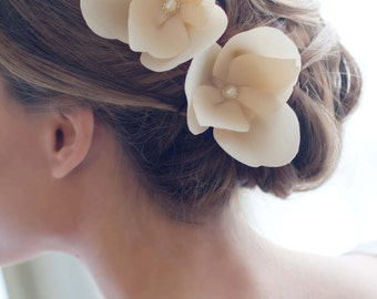 Anise - Silk Flowers with pearl centers on clips