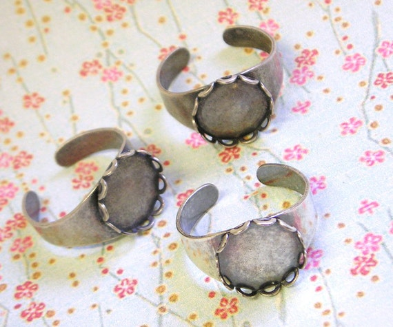 3 Round Lace Edge Silver Ring Blanks, 13 mm cab setting, Adjustable wide band, oxidized, rustic, Sterling Silver plated