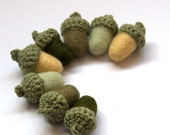 Weddings decor felted acorns garland 8 moss green sage pale green olive wool Woodland favor autumn eco friendly decoration home pastel