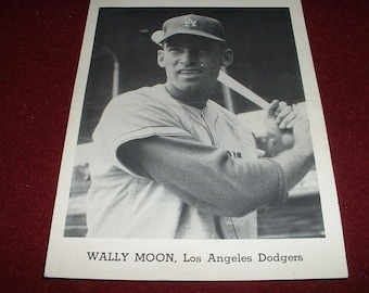 LA Dodgers Team Photo.Vintage 5x7 Wally Moon 1958-1965 Jay Publishing