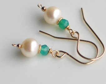 White Pearl Green Onyx Gold Earrings, Emerald Green and White Freshwater Pearl Earrings, Gold Filled Fashion, Classics