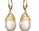 Vintage Cotton Pearl Earrings in White