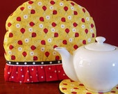 Tea cozy cosy Gift set Daisies Ladybug fabric Red Black and White and Yellow Flowers OOAK Daisy Lady bug Tea pot cosies - Ready to ship
