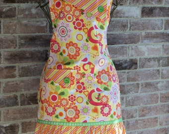 Betty Style Apron in Bright Birdsong