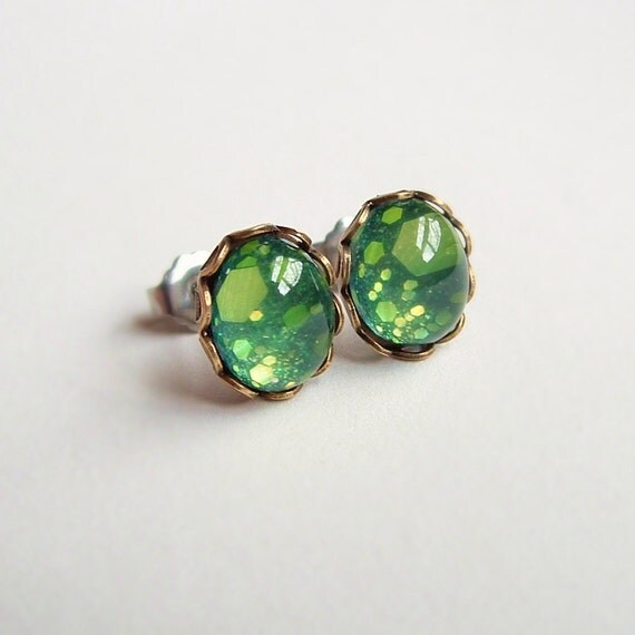 Green Glitter Post Earrings Vintage Domed Glass Cabochon Studs Hypoallergenic