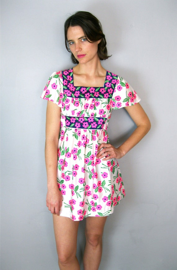 Bright Pink Floral 70's Dress