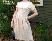 1950s Beige Linen Dress with Embroidery