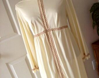 Vintage Robe - 1960s Long Robe - Vintage Lingerie - Rogers Beige Nylon Robe - Floor Length Robe - Retro Clothing