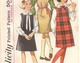Vintage 1960s Sewing Pattern - 1060s Girls Jumper - Girls Blouse - Retro Sewing Pattern Simplicity 5077