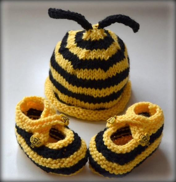 Bumble Bee Hat and Booties Set Photo Prop