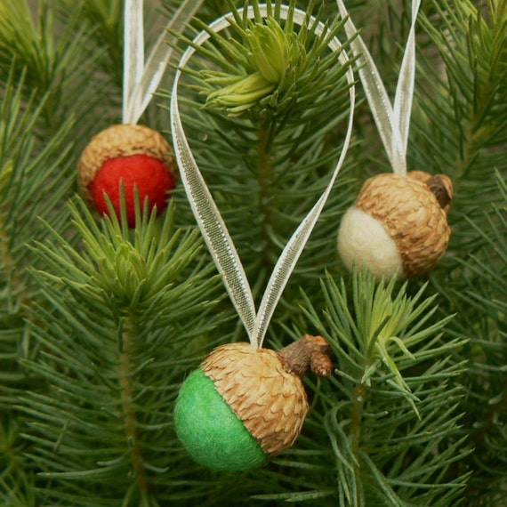 Felted Christmas Acorns, Tree Ornaments, Set of 9 Hanging Acorn Decorations, needle felted rustic wool pineteamt