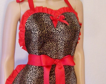 Leopard Apron, Sweetheart  Apron, With Pockets, Scotch Guarded