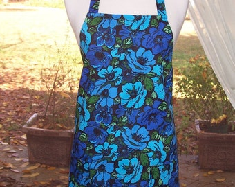 Women's Full Apron, True Blue Flowers Apron, Pocket Apron, Blue Apron, Bib Apron, Kitchen Apron, Turquoise Blue Apron, Shower Gift, Aprons,
