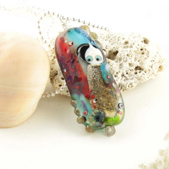 garden of love Art glass pendant necklace, handmade lampwork jewelry