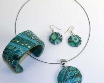 Turquoise - pendant, bracelet and earring set