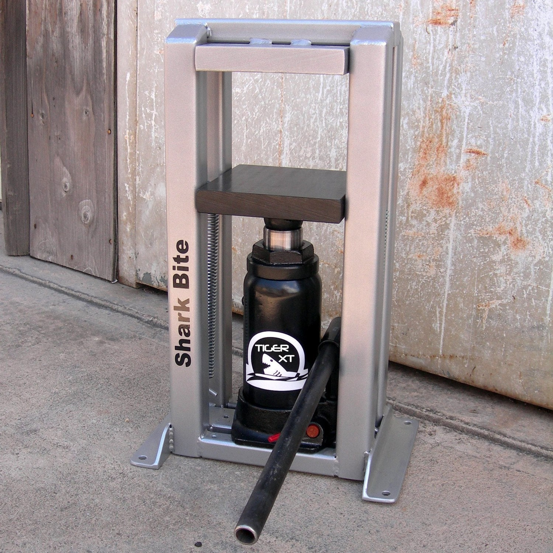 Hydraulic press for jewelry making metal smithing jewelry for Metal stamping press for jewelry