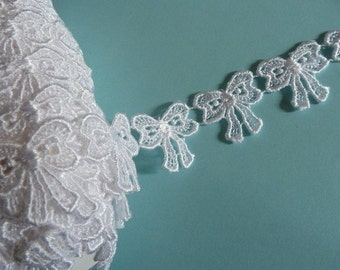 Bow Applique Trim in White Venise Lace for Bridal, Garters, Headbands  L 2086