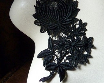Lace Applique Chrysanthemum in Black Venice Lace for Jewelry, Bridal, Costume Design BLA 1006