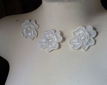 5 Lace Applique Flowers  in Ivory Venise Lace for Garters, Jewelry Design, Bridal, Crazy Quilting, Crafts AM 19
