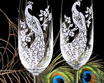 2 Peacock Champagne Flutes, Wedding Toasting Glasses, Peacock Decor, Present for Couple
