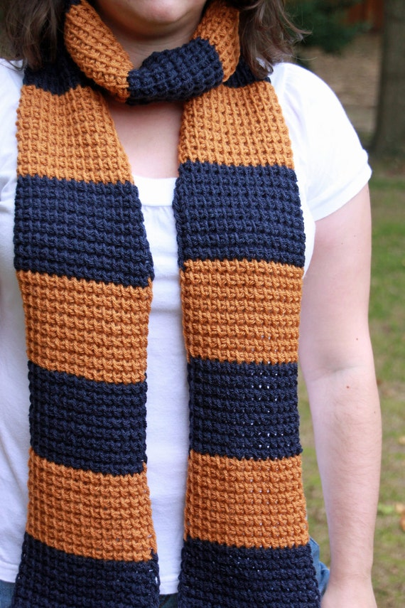 """Ravenclaw """"Harry Potter"""" scarf -- book version"""