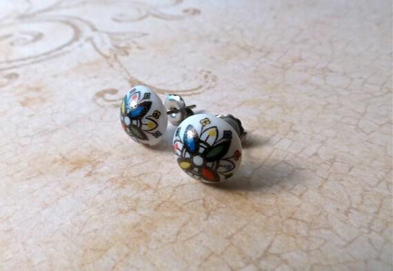 LAST PAIR // Colorful Ornate Floral Vintage Glass Post Stud Earrings : surgical steel for sensitive ears