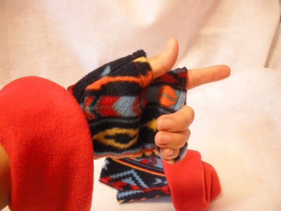 Fingerless Gloves in Warrior Blanket pattern
