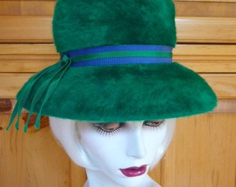 Vtg 1960s Furry MOD Tall Hat  Emerald Green