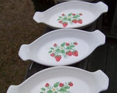 Vintage Individual Oval Serving Casserole Dishes...Set of 4...Boston Bakers..White Ceramic Strawberry...Retro Kitchenwares...Country Chic