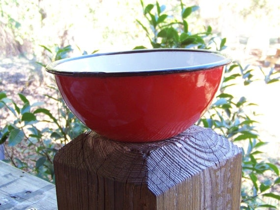 Bright Happy Cheerful Rosy Gotta Have It Christmas Red Primitive Decorative Enamelware Bowl Made in Poland