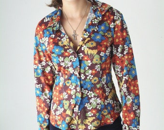 Vintage retro mod button front flower power shirt, medium