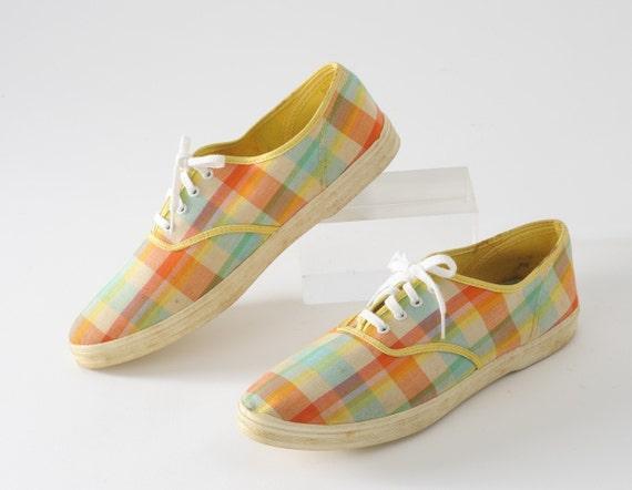 1960s Sherbet Plaid Sneakers: Vintage Pastel Plaid Tennis Shoes, Lace Ups, Size 7.5