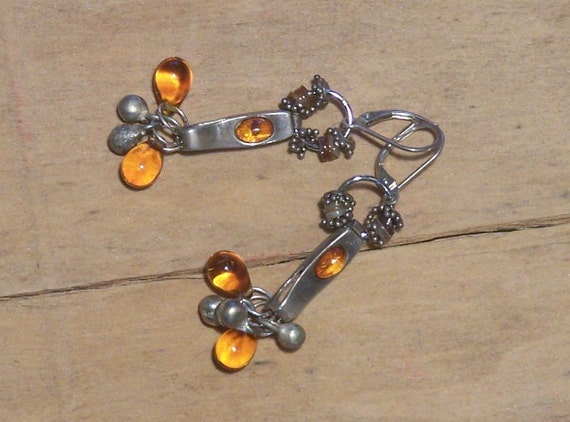 Amber stones and drops - Earrings