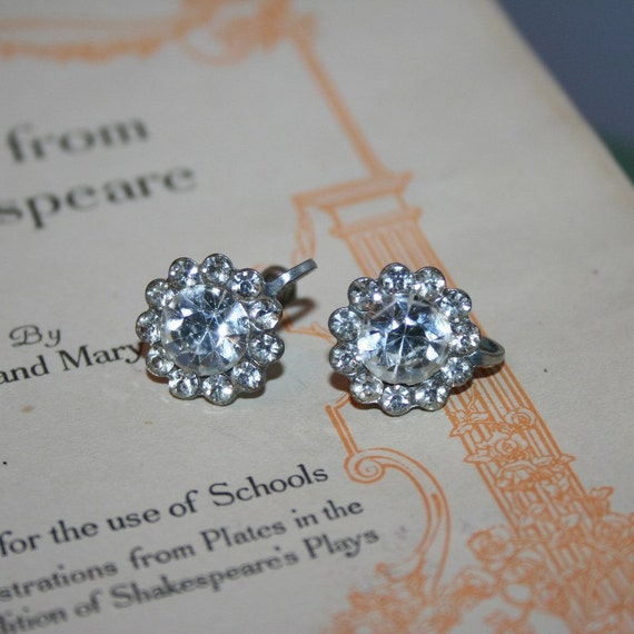 SALE!---antique 1930s screwback earrings old hollywood starlet sparkle 40s austrian crystal rhinestone vintage bride wedding party prom gift