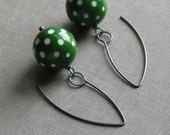 dixie earrings, green - vintage lucite and sterling