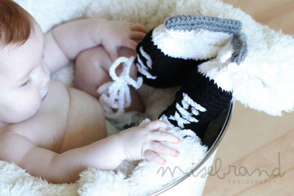 Free Crochet Pattern Baby Hockey Skates : Ice Hockey Skate Booties Crochet Photo Prop. 4 sizes
