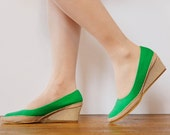 1980s grass green cloth vegan wedges / canvas shoes / womens size 6.5