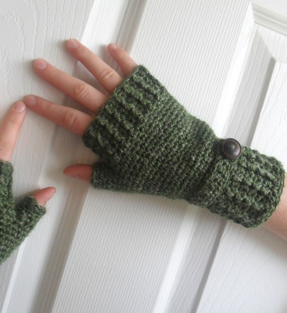 Sustainable Hemp Wool Fingerless Mitts in Sicilian Olive Green Made to Order