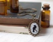 Black Raven necklace - Goth jewelry - vintage style (N058)