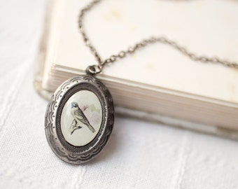 Bird locket necklace - Silver locket necklace - Oval locket - Photo locket - Vintage Style Locket - Romantic gift - Shabby Chic (L004)