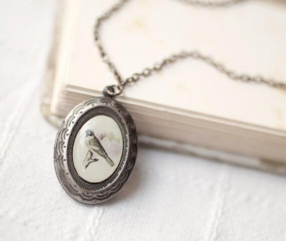 Bird locket necklace - Silver locket necklace - Oval locket - Photo locket - Vintage Style Locket - Romantic gift - Shabby Chic (L004)