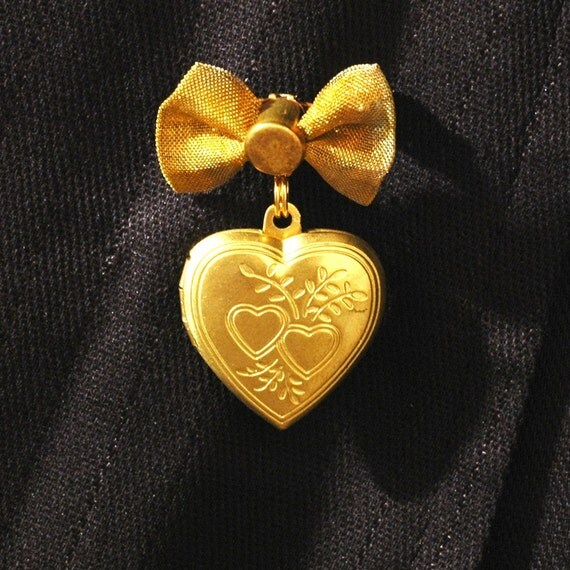 Heart And Bow Pin   ---   Heart Locket Brooch With Mesh Bow - Golden Heart Charm Locket