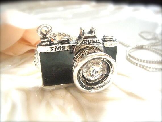 Vinatge Camera Necklace- Sliver and Black Camera Charm