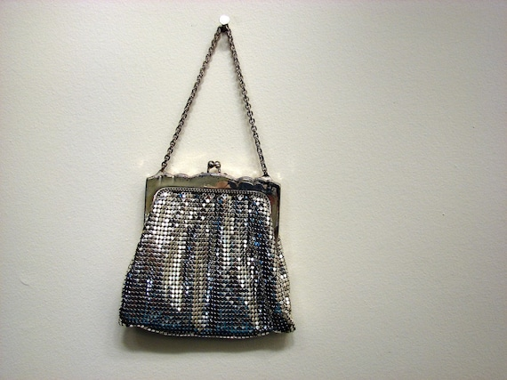 Vintage 1940's Mesh Whiting and Davis Silver Tone Metal Frame  Evening Bag